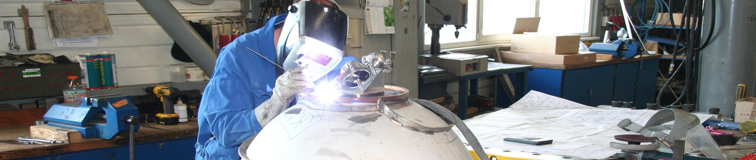 Welding: Vessel production, Surface processing - AMS Technology GmbH