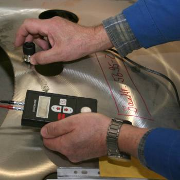 Ultrasonic wall thickness examination